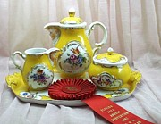 Flower Ceramics Originals - 470 Fancy Tea Set by Wilma Manhardt