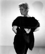 Fur Stole Prints - Kim Novak, 1956 Print by Everett