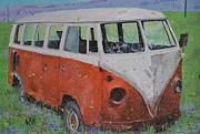 63 Vw Type 2  Bus Print by Les Katt