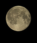 Fifteen Prints - Waning Gibbous Moon Print by Eckhard Slawik