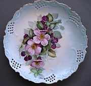 Orange Ceramics Originals - 833 Wild Rose  Blackberry Plate by Wilma Manhardt