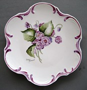 Signed Ceramics Originals - 858  Plate with double violets by Wilma Manhardt