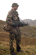 Uniforms Metal Prints - A Member Of The British Army Pathfinder Metal Print by Andrew Chittock