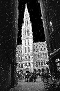 Belgium Digital Art - A Night On The Grand Place by Fernando Margolles