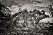 Brenda Bryant Photo Prints - Abandoned Barn 2 Print by Brenda Bryant
