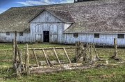 Abandoned Barn Prints - Abandoned Barn Print by Eddie Yerkish