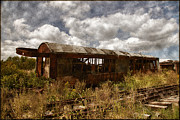 Rail Digital Art - Abandoned by Dale Kincaid