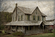 White Frame House Framed Prints - Abandoned Homestead Framed Print by John Stephens