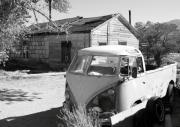 Machinery Photos - Abandoned Volkswagen Van by Troy Montemayor