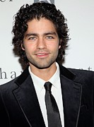 Benefit Photo Posters - Adrian Grenier At Arrivals For Charity Poster by Everett