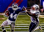 Football Player Framed Prints - Ahmad Bradshaw Framed Print by Paul Ward