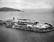 Alcatraz Art - Alcatraz Island And Prison by Underwood Archives