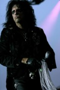 Shock Originals - Alice Cooper walking with Pearls by Christopher  Chouinard