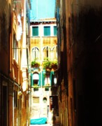 Photo  Paintings - Alley In Italy by Marsha Heiken