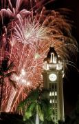 Holidays Celebration - Aloha Tower Fireworks by Joe Carini - Printscapes