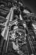 Val Black Russian Tourchin - Alwyn Court Building Detail 4