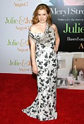 Evening Dress Framed Prints - Amy Adams Wearing A Carolina Herrera Framed Print by Everett