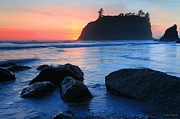 Winston Rockwell Prints - An Evening at Ruby Beach Print by Winston Rockwell