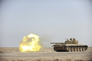 Iraq Conflict Prints - An Iraqi T-72 Tank Fires At The Besmaya Print by Stocktrek Images