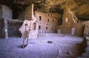Mesa Verde Photos - Ancient Anasazi Dwelling In Mesa Verde by Greg Dale