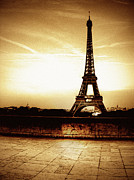 Eiffel Tower Metal Prints - Ancient Paris Tour Eiffel Metal Print by Noovae