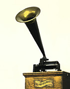 Player Digital Art - Antique Graphophone by Glennis Siverson