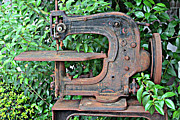 Sewing Machine Framed Prints - Antique Leather Sewing Machine Framed Print by Linda Phelps
