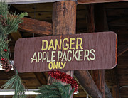 Bunting Originals - Apple Farm Sign by Bill Owen