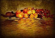 Food And Beverage Mixed Media - Apples by Svetlana Sewell