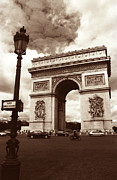 Champs Elysees Framed Prints - Arc de Triomphe Framed Print by Kathy Yates