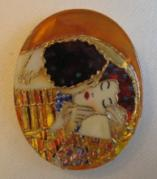 The Kiss Jewelry - Art Jewelry-hand Painted Pendant Mother Of Pearl Klimt by Evelina Pastilati