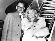 Marilyn Photos - Arthur Miller, Marilyn Monroe, Boarding by Everett