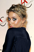 Updo Framed Prints - Ashley Olsen Wearing Calvin Klein Framed Print by Everett