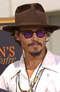 Johnny Depp Photos - At The Press Conference For Handprint & by Everett
