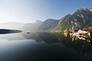 Y120831 Art - Austria, Upper Austria, View Of Lake Hallstaetter See At Sunrise by Westend61