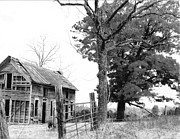 CGHepburn Scenic Photos - Autumn Farmhouse B and W