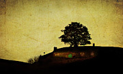 New Zealand Digital Art - Bagend at Dusk by Linde Townsend