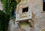 Romeo And Juliet Prints - Balcone di Romeo e Giulietta Print by Martina Fagan