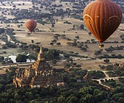 Mark Coran - Balloons Over Bagan...