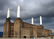 Repairing Metal Prints - Battersea Power Station, London, Uk Metal Print by Johnny Greig