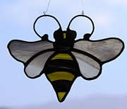 Insect Glass Art - Bee suncatcher by Shelly Reid