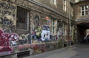 Berlin Graffiti - 1 Print by RicardMN Photography