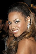 Diamond Earrings Posters - Beyonce Knowles At Arrivals Poster by Everett