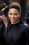 Drop Earrings Metal Prints - Beyonce Knowles On Stage For Today Show Metal Print by Everett