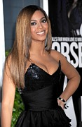 Strapless Dress Framed Prints - Beyonce Knowles Wearing A Balmain Dress Framed Print by Everett