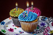 Hillary Scott - Birthday Cupcakes