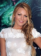 Cap Sleeves Posters - Blake Lively At Arrivals For Green Poster by Everett