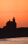 Legendary Lighthouses Framed Prints - Block Island North West Lighthouse Sunset Framed Print by Skip Willits