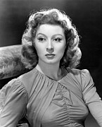 Greer Prints - Blossoms In The Dust, Greer Garson, 1941 Print by Everett