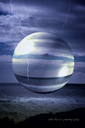 Vicki Ferrari - Blue Sea Hover Bubble